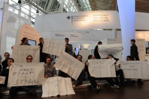 Flashmob auf dem Stand des BMWi